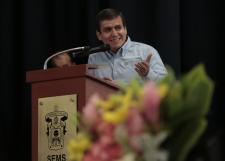 Da rector general bienvenida al ciclo 2019-B de la UdeG en la Preparatoria 9
