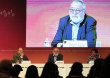 Celebra la FIL a Fernando Savater en encuentro con jóvenes