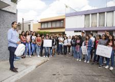 """Coloca FEU mochila blanca para recordar a """"Panchito"""""""