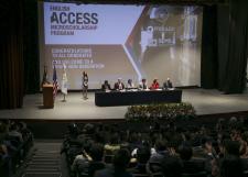Egresan del programa English Access 83 estudiantes del SEMS