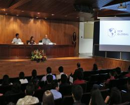 Exponen alumnos del SEMS trabajos académicos en idioma inglés realizados en la TAE Ser Global